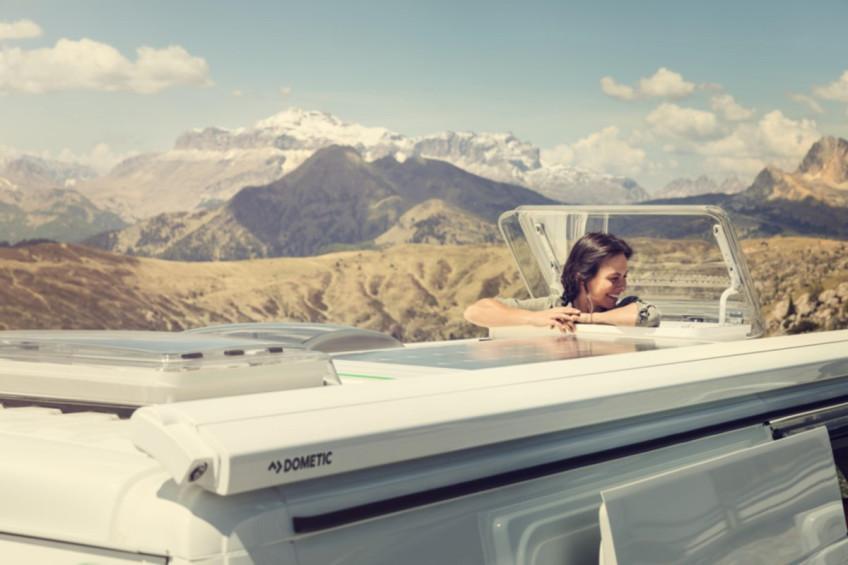 Kamyonetlerinde ve/veya karavanlarında çok daha fazla gün ışığı ve temiz hava isteyen herkes doğru yerde... Kalitesi, dayanıklılığı ve kullanım kolaylığı ürünün...
